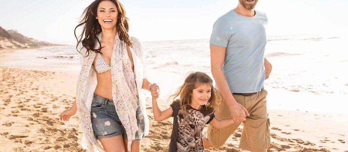 Familie am Strand Familienurlaub Fuerteventura
